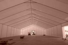 Efekt skraplania w namiocie halowym – jak uniknąć?